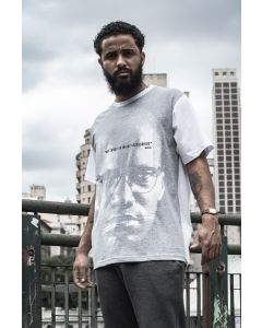 Camiseta Resisto OPM - Por todos os meios